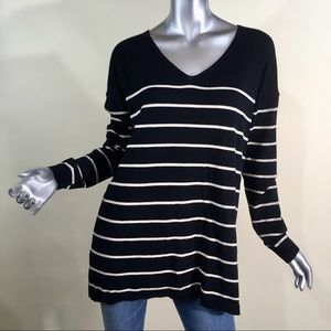 Old Navy Women's Striped V Neck Sweater Tunic L